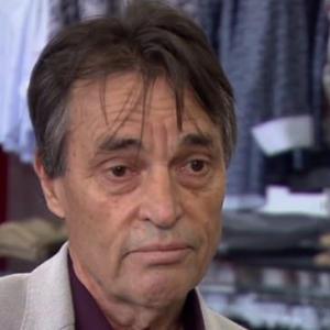 Business owner opens Melbourne clothing shop despite $10,000 fine risk
